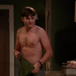 ashton kutcher hot body