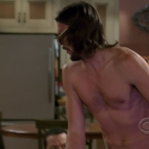 ashton kutcher muscles