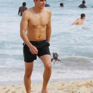 Dave Franco sexy body