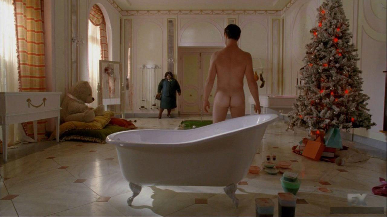 Finn Wittrock butt naked in movie scene