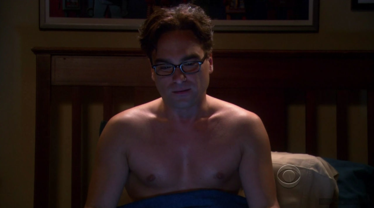 Johnny Galecki fappening