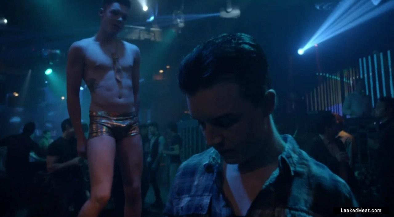 Cameron Monaghan sexy naked