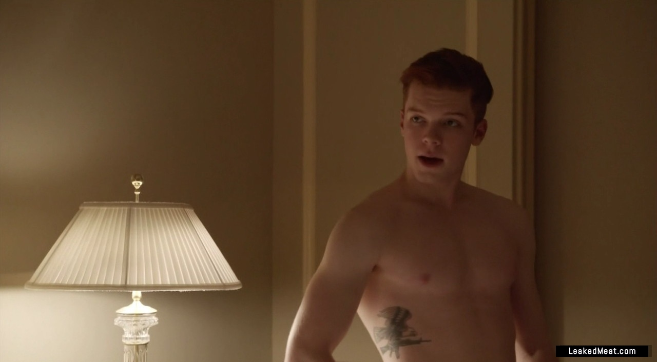Cameron Monaghan shirtless picture