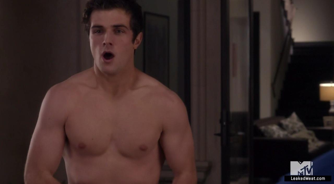 Beau Mirchoff leaked naked