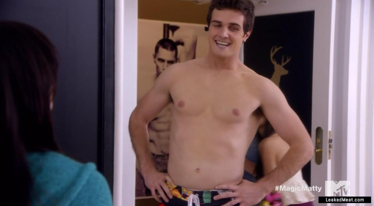 Beau Mirchoff leaked nude