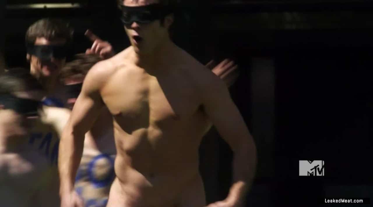 Beau Mirchoff sexy nude
