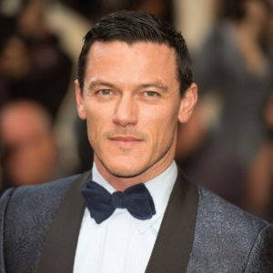 Yummy!! Luke Evans Nude Private Pics & Video Exposed!