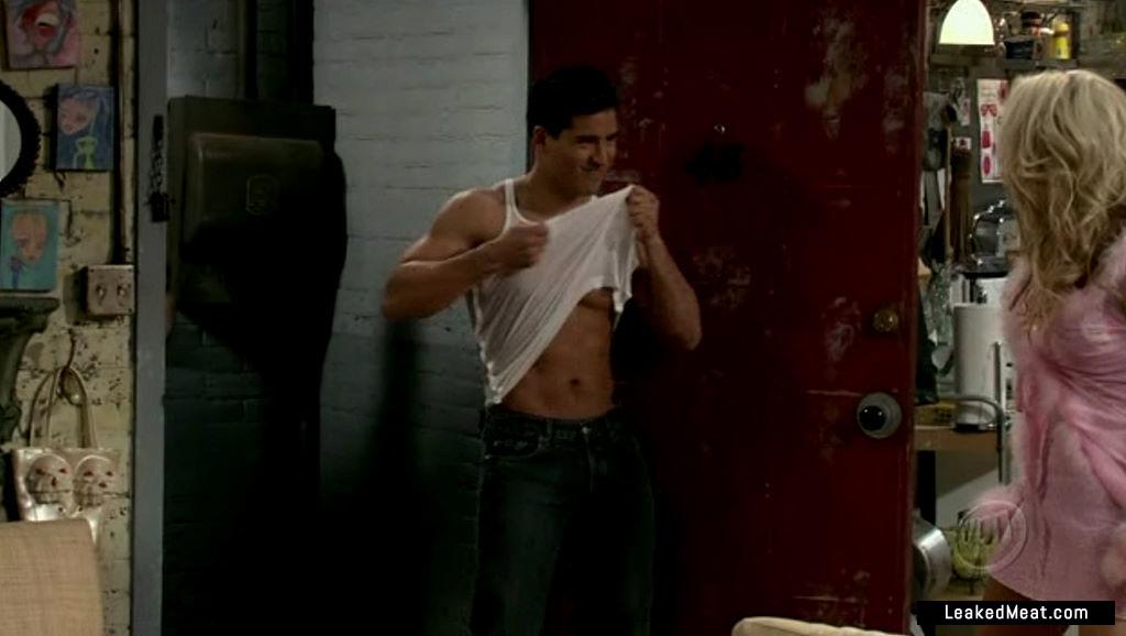 Mario Lopez uncensored nude pic