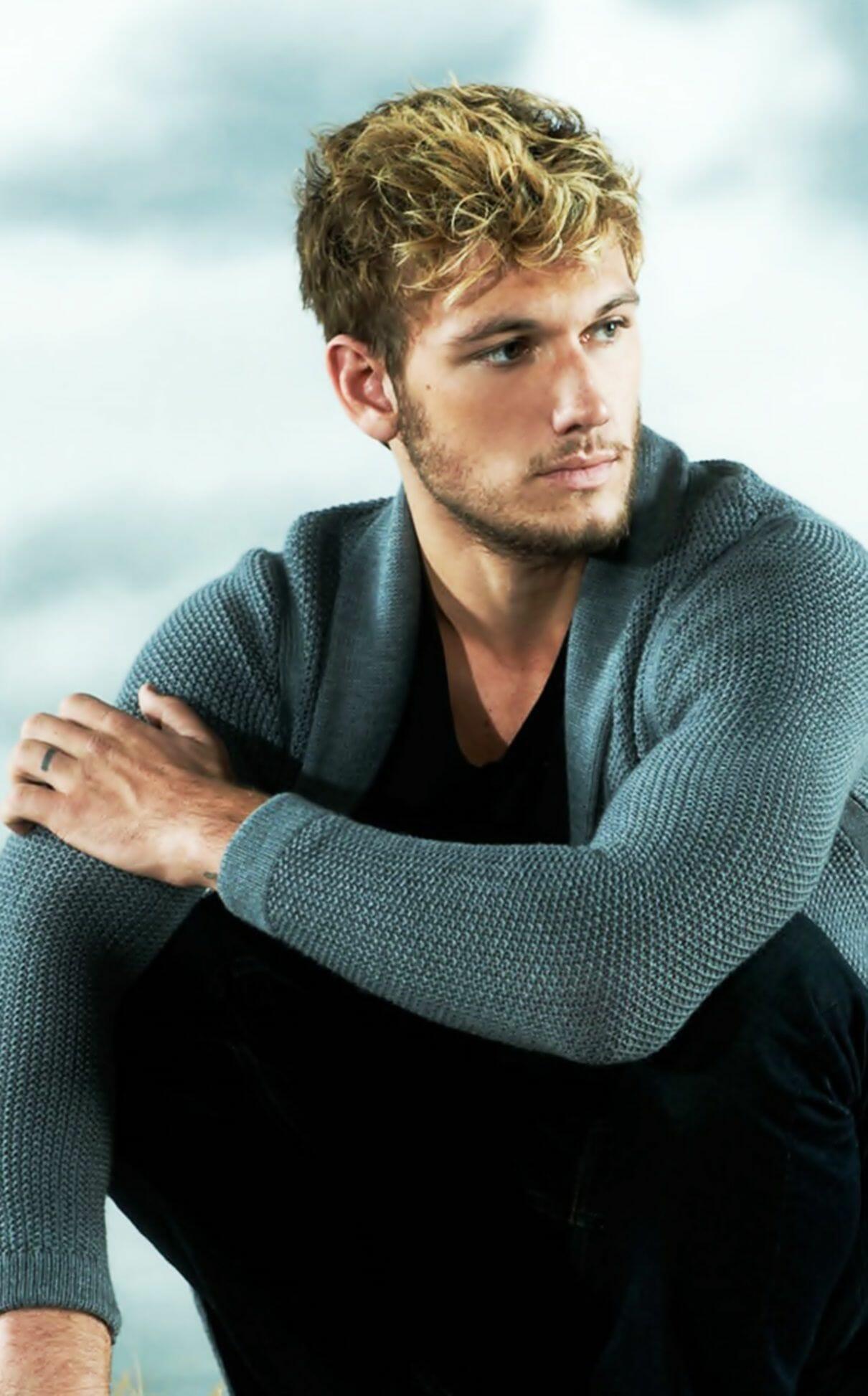 Alex Pettyfer modeling