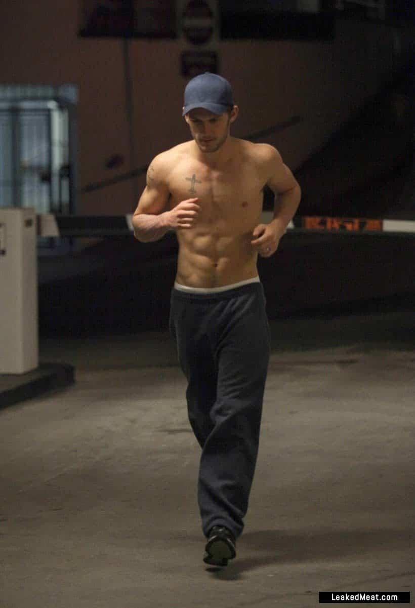 Alex Pettyfer chest