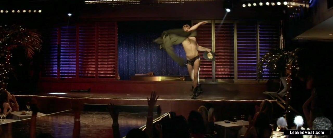 Alex Pettyfer dick slip
