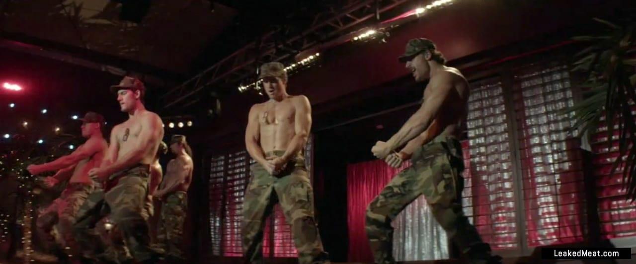 Alex Pettyfer uncensored nude pic