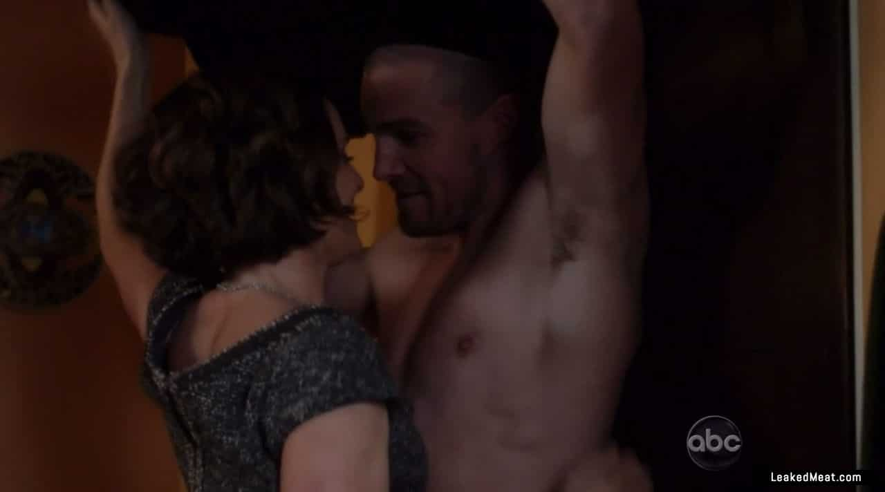 Stephen Amell hot