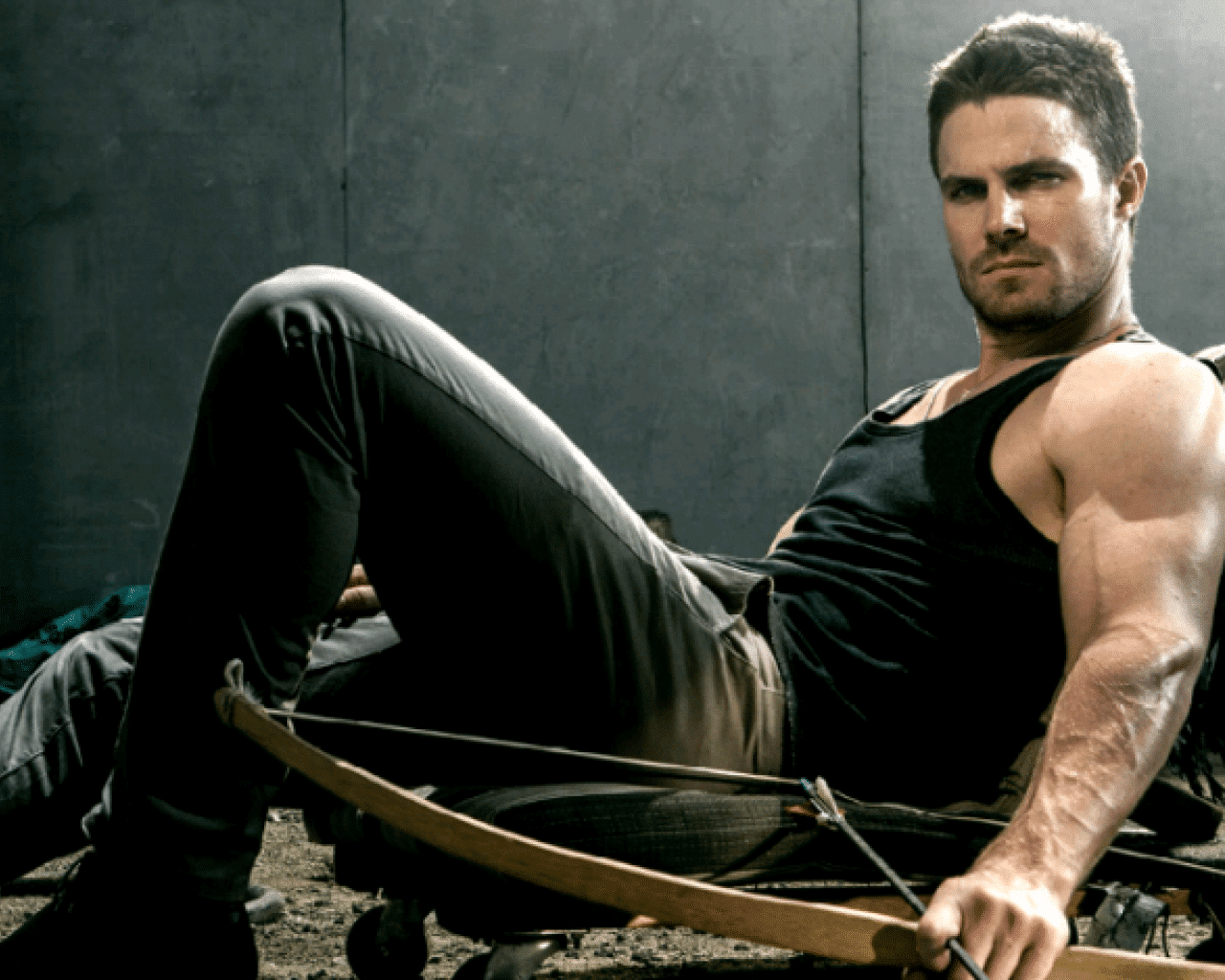 Stephen Amell hot as fuck