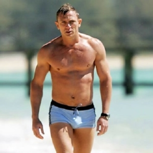 Daniel Craig Nude Photos & UNCENSORED Scenes!