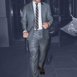Chris Pratt exposing bulge in suit