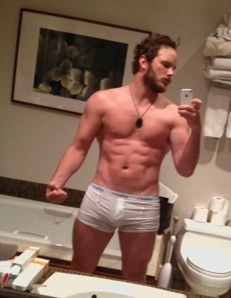 Chris Pratt selfie in underwear with bulge
