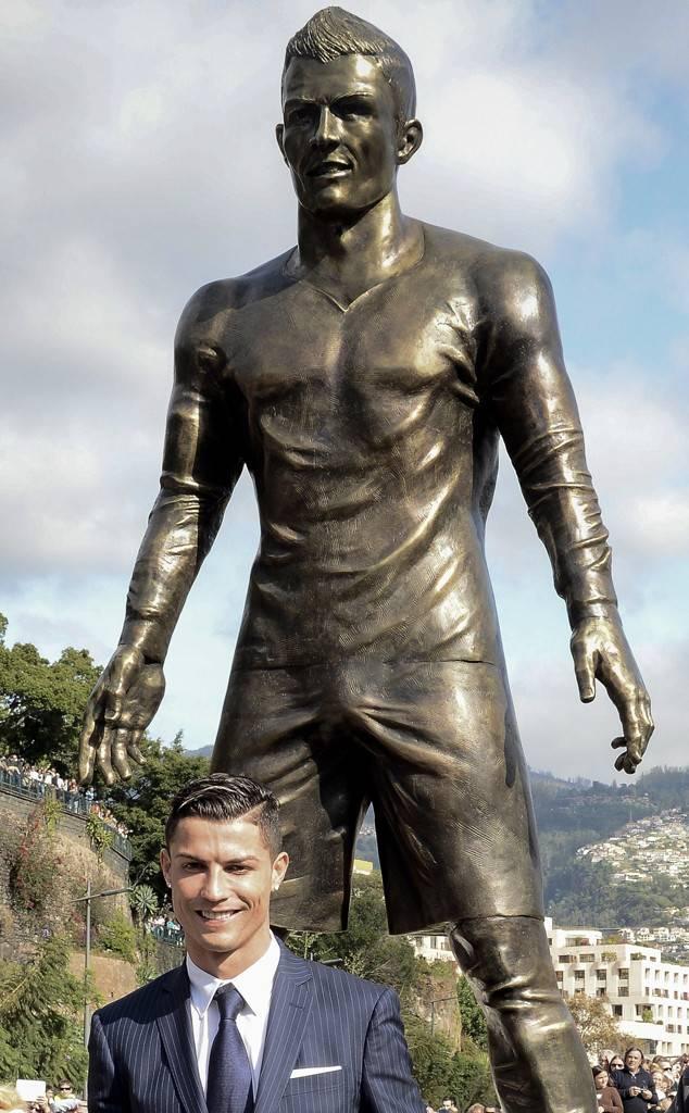 Cristiano Ronaldo statue bulge