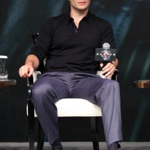 Henry Cavill suit pant bulge