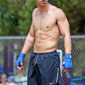 Joe Jonas looking bulgey