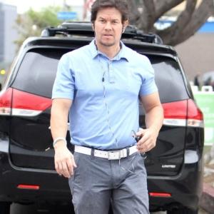 Mark Wahlberg showing bulge package