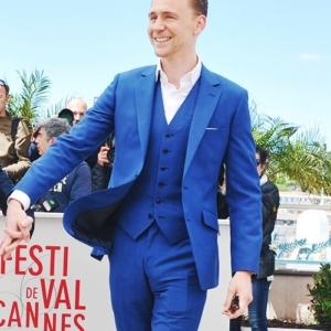 Tom Hiddleston bulges