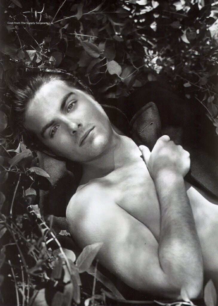 Kevin Zegers naked body