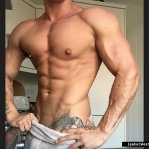 Lotan Carter uncensored nude pic