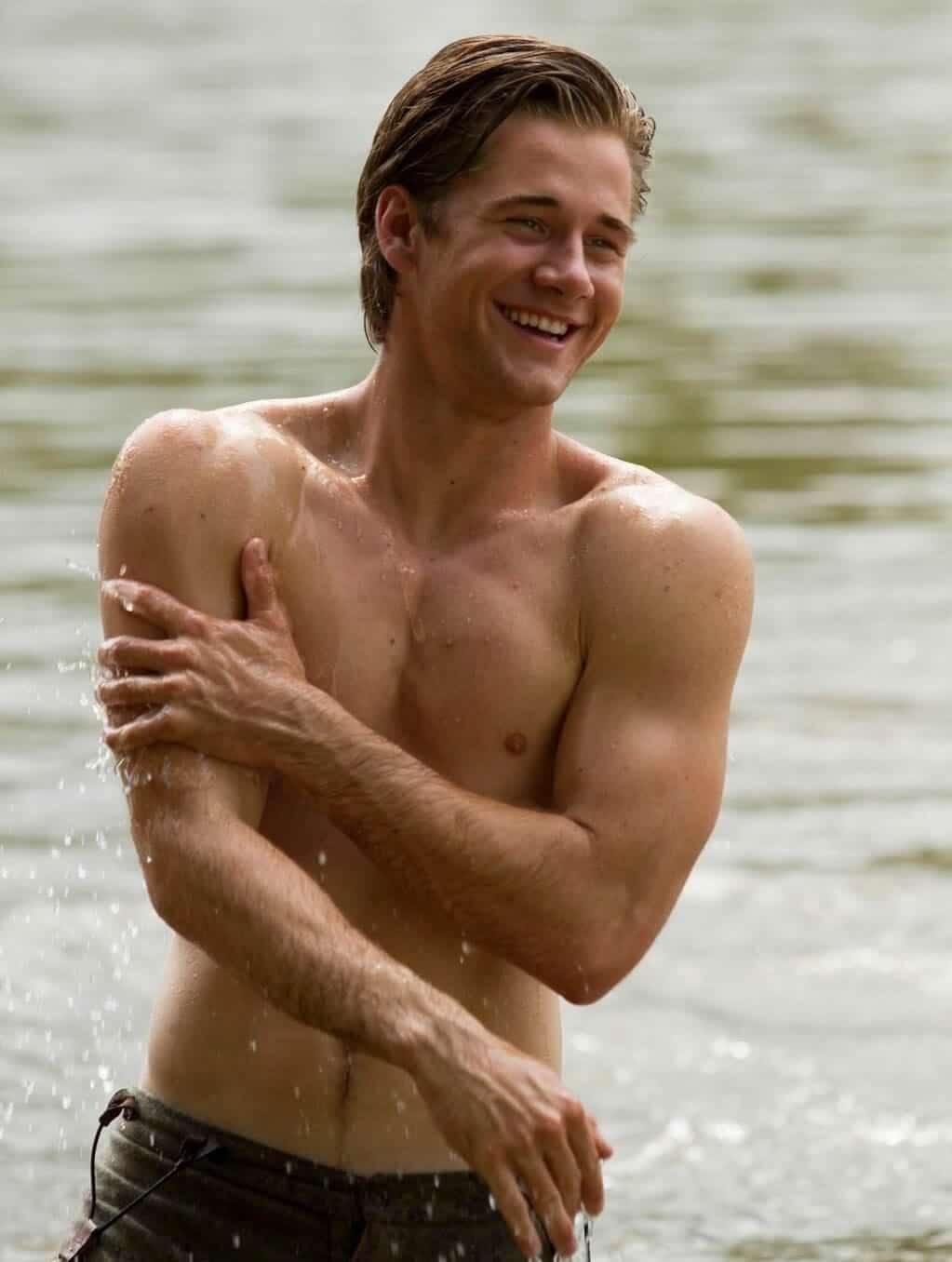 Luke Benward shirtless
