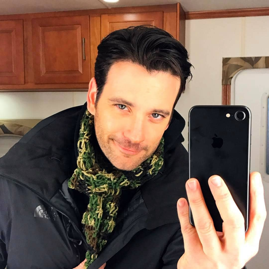 Colin Donnell selfie