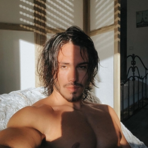 Enzo Carini chest