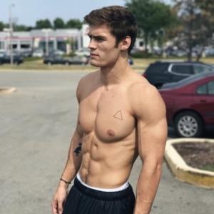 Dylan Geick bulge