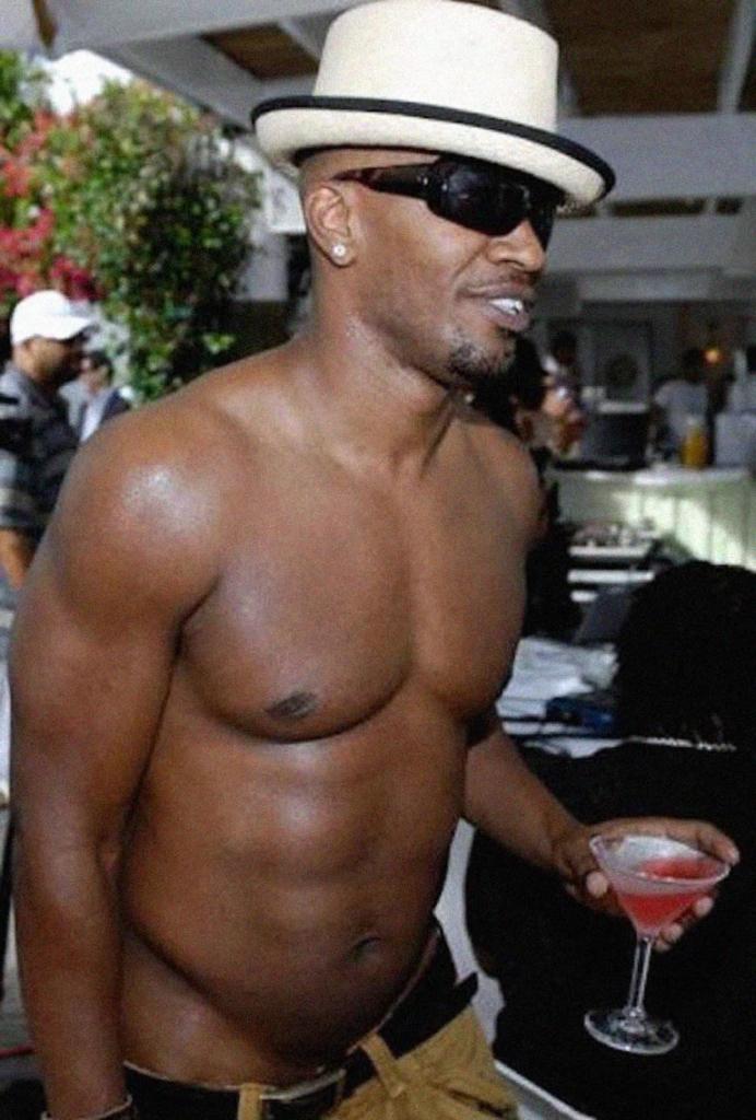 Jamie Foxx shirtless abs