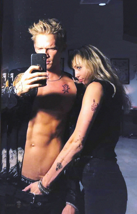 Cody Simpson and Miley Cyrus cock grab