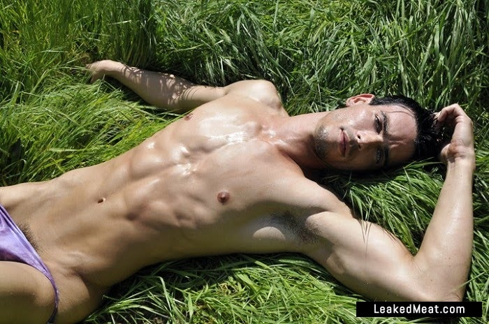 Josh Kloss big muscles