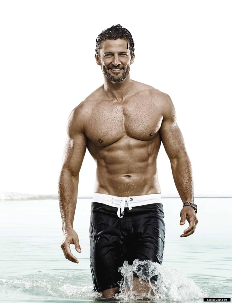 Tim Robards sexy naked