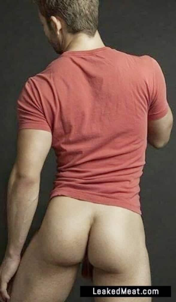 Derek Yates bare butt