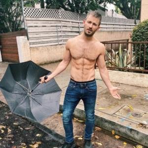 Derek Yates sexy