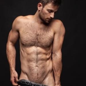 Derek Yates uncensored nude pic