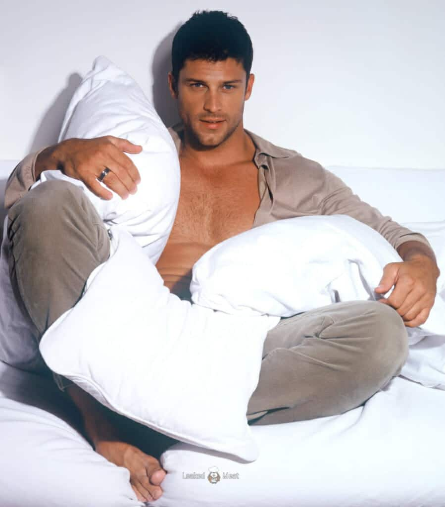 Greg Vaughan sexy male model